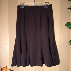 Dresses & Skirts - Cute brown midi skirt. A closet staple!